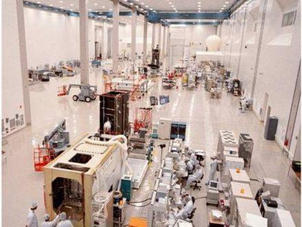 Satelite Manufacturing Cleanroom 02