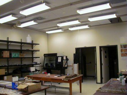 Stanford University Goldhaber-Gordon Laboratory 02